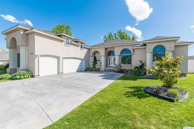 Kennewick Single Family Home For Sale: 3308 S Tweedt