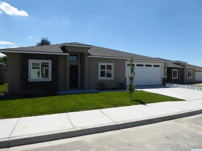 Kennewick Condo/Townhouse For Sale: 7709 W 11th Ave