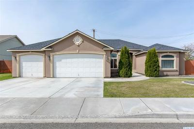 Kennewick Single Family Home For Sale: 305 N Quebec St.