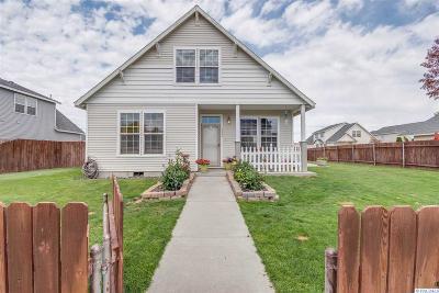 Pasco Single Family Home For Sale: 6203 Oriole