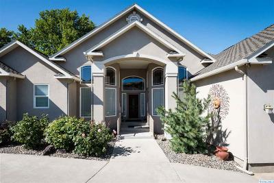 Kennewick Single Family Home For Sale: 3910 S Morain Loop