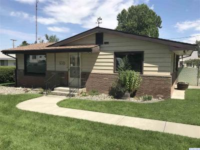 West Richland Single Family Home For Sale: 914 N 61st Ave