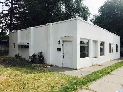 Kennewick Multi Family Home For Sale: 1526 W 4th Avenue