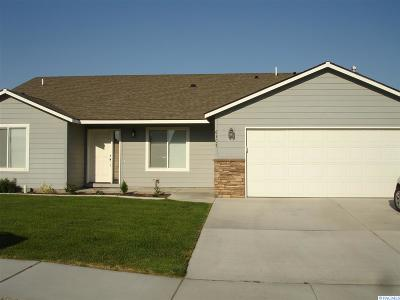 Pasco Single Family Home For Sale: 6307 Panther Lane