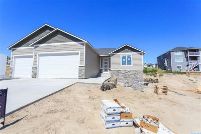 Richland Single Family Home For Sale: 1035 Chinook