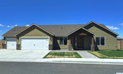 Pasco Single Family Home For Sale: 3506 Reserve Ln