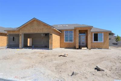 Richland Single Family Home For Sale: 3359 Village Parkway
