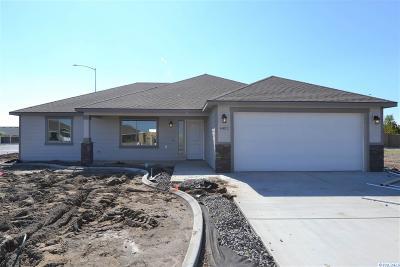 Pasco Single Family Home For Sale: 4402 Kitimat Ln