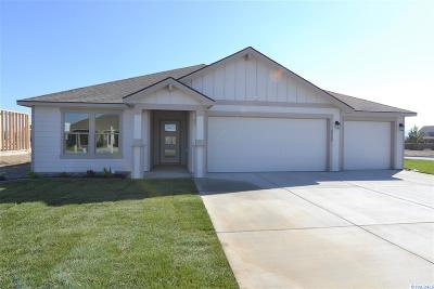 Pasco Single Family Home For Sale: 8222 Coldwater Dr
