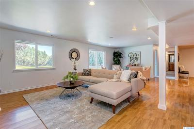 West Richland Single Family Home For Sale: 4920 Milky Way