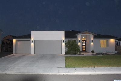 West Richland Single Family Home For Sale: 1364 Onyx Ave