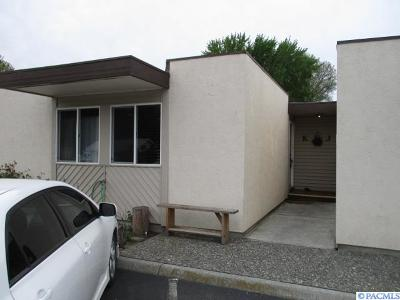 Kennewick Condo/Townhouse For Sale: 420 Quincy #K