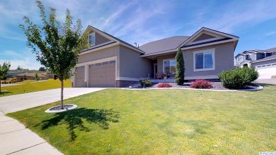 Richland Single Family Home For Sale: 1037 Cayuse Drive