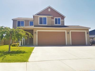 Pasco Single Family Home For Sale: 8806 Wilshire Dr