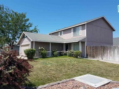 Pasco Single Family Home For Sale: 6207 Wrigley Drive
