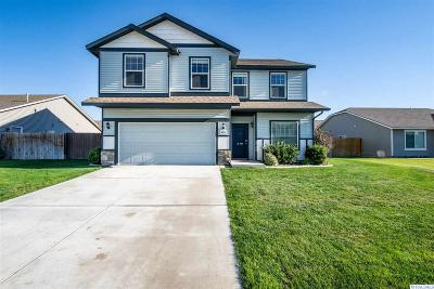 Pasco Single Family Home For Sale: 4818 Parley Ct