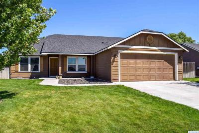 West Richland Single Family Home For Sale: 2490 Hickory Avenue
