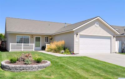 Pasco Single Family Home For Sale: 7907 Deschutes
