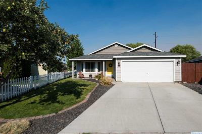 Pasco Single Family Home For Sale: 4712 John Deere Lane