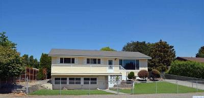 Pasco Single Family Home For Sale: 3103 Opal