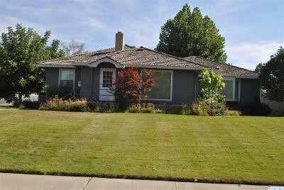 Prosser Single Family Home For Sale: 1835 Benson Ave