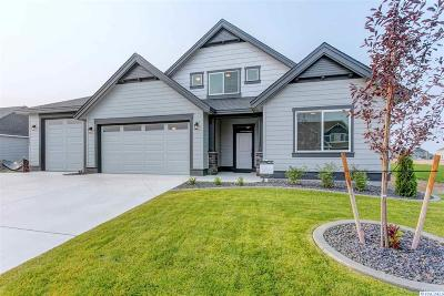Pasco Single Family Home For Sale: 9704 Kokanee Drive