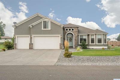 Pasco Single Family Home For Sale: 7103 Maxim Ct