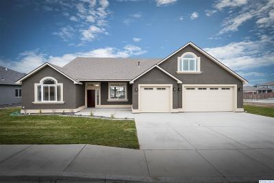 Kennewick Single Family Home For Sale: 8576 W 12th Ave