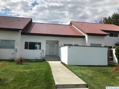 Richland WA Condo/Townhouse Active U/C W/ Bump: $299,900