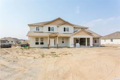 Pasco Single Family Home For Sale: 6804 Sandy Ridge Rd