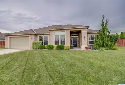 West Richland Single Family Home For Sale: 1711 Sunshine