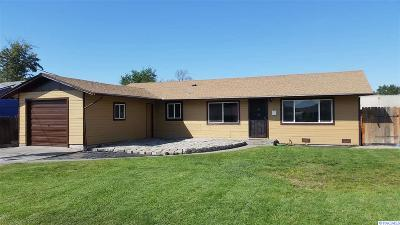 Pasco Single Family Home For Sale: 1135 S Lincoln Dr