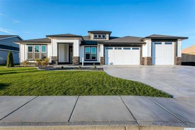 Pasco Single Family Home For Sale: 9803 Kokanee Dr
