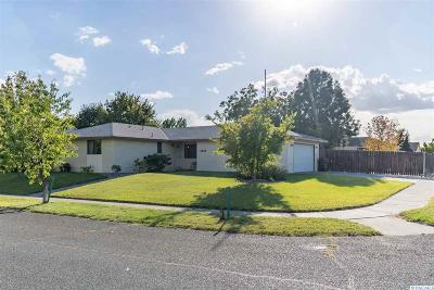Pasco Single Family Home For Sale: 4516 Peyote Dr.
