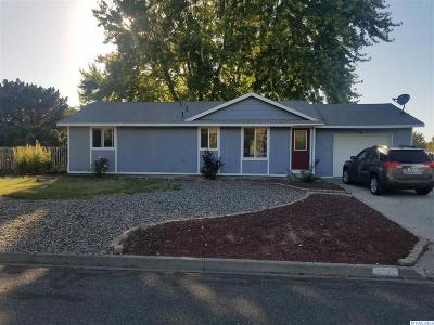 Kennewick Single Family Home For Sale: 4202 S Ione St