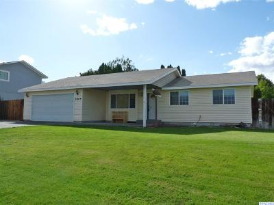 Kennewick Single Family Home For Sale: 3604 S Benton St