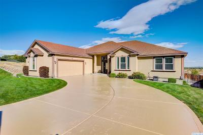 Richland Single Family Home For Sale: 2312 Whitetail Dr