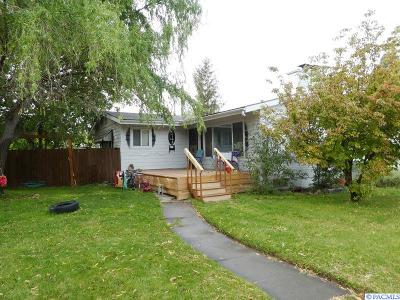 Kennewick Single Family Home For Sale: 1744 S Dayton Pl.