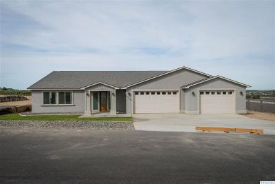 Kennewick Single Family Home For Sale: 83104 Wallowa