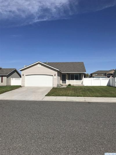 Pasco Single Family Home For Sale: 8013 Wenatchee Drive