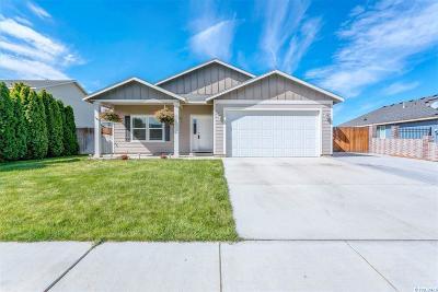 Pasco Single Family Home For Sale: 4306 Des Moines Lane