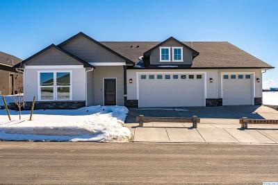 Richland WA Single Family Home For Sale: $428,900