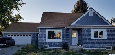 Sunnyside Single Family Home For Sale: 501 S 12th St