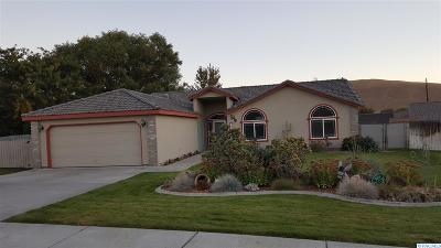 West Richland Single Family Home For Sale: 2606 Ficus Drive