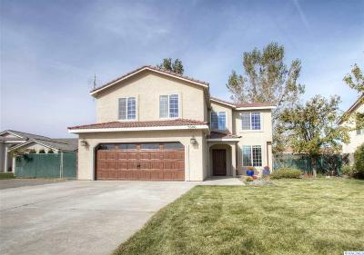 West Richland Single Family Home For Sale: 5606 Warbler Ln