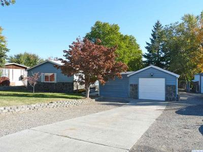 West Richland Single Family Home For Sale: 570 N 62nd Ave
