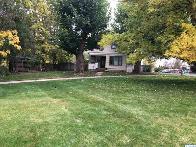 Grandview Single Family Home For Sale: 812 W 5th St
