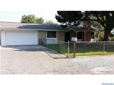 Kennewick Single Family Home For Sale: 110 W 33rd Ave