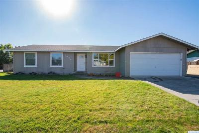Pasco Single Family Home For Sale: 3804 W Jay St