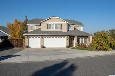 West Richland Single Family Home For Sale: 3700 Van Ct